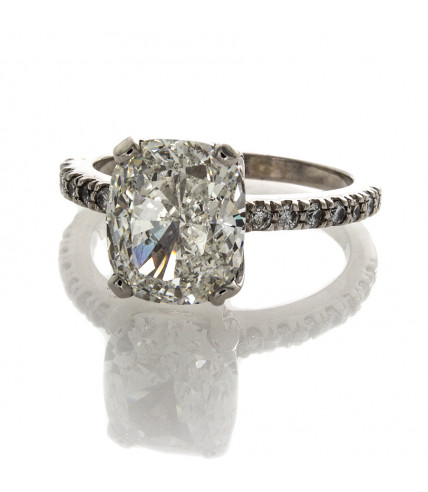 CUSHION CUT DIAMOND 4.01 CT