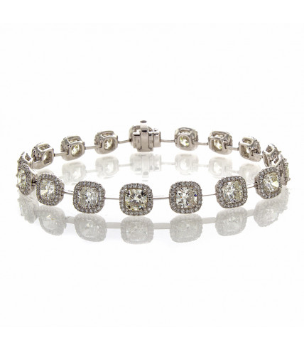 CUSHION CUT DIAMOND BRACELET